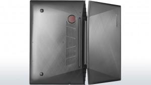 Lenovo Y70-70 to dość niepozornie wyglądający laptop przeznaczony dla graczy komputerowych